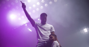 Drake Calls Derrick Rose 'Legendary' At Concert (Video)