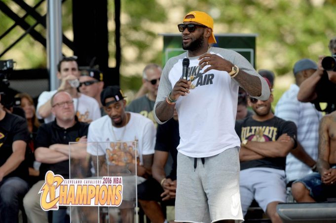 LeBron James Agrees To 3-year Deal With Cleveland Cavaliers (Report)