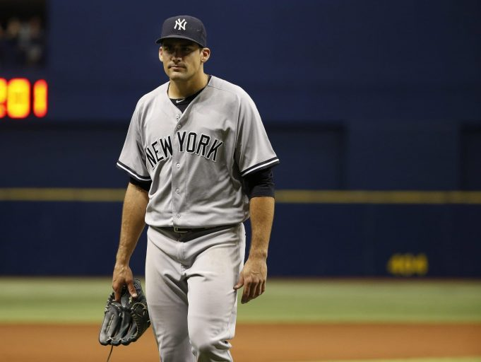New York Yankees: Nathan Eovaldi Leaves Game With Elbow Injury