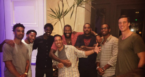 New York Knicks' Carmelo Anthony, Derrick Rose & Teammates Spend The Night Out