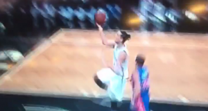 Brooklyn Nets PG Jeremy Lin Pathetically Air Balls Layup (Video)