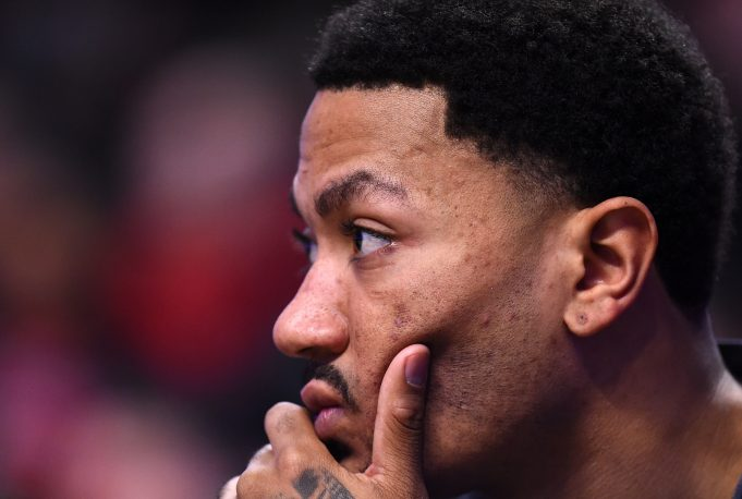 New York Knicks Preseason Opener: Derrick Rose Playing, KP At Center?