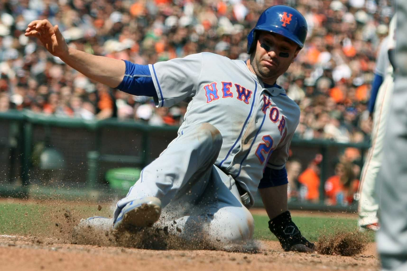New York Mets: Why It Wouldn't Be Terrible If Neil Walker Walks
