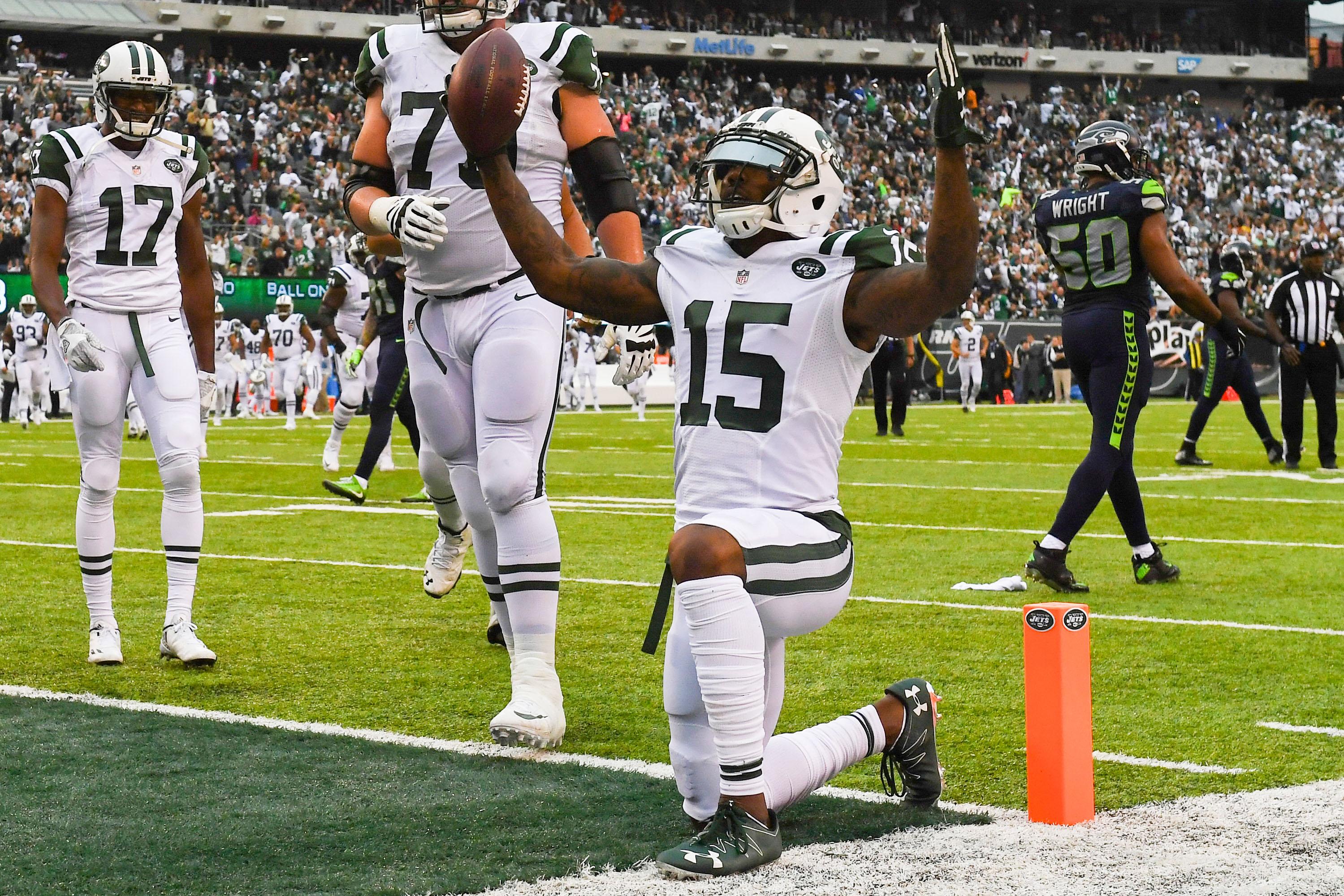 The New York Jets need to keep Brandon Marshall around in 2017