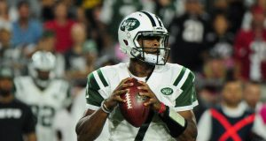New York Jets To Name Geno Smith The Staring Quarterback (Report)