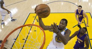 Kevin Durant gets into Twitter beef on Thanksgiving