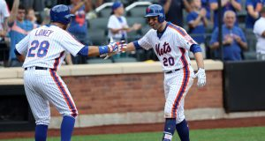 New York Mets: Neil Walker Accepts Qualifying Offer