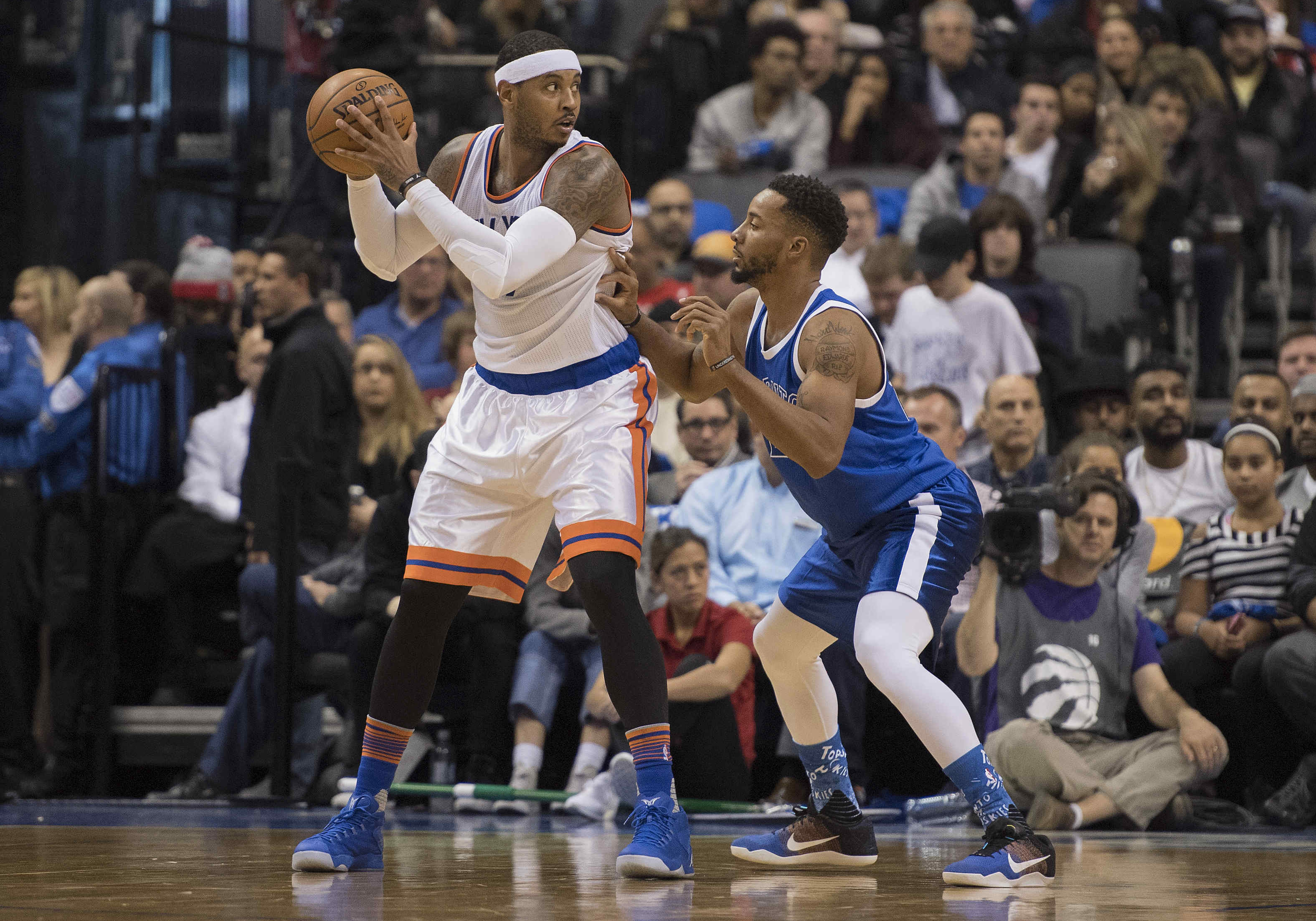 Carmelo Anthony's Limitations Hurt New York Knicks Late in Toronto