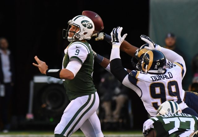 Nov 13, 2016; East Rutherford, NJ, USA;   New York Jets quarterback Bryce Petty (9) throws in the second half against the Los Angeles Rams at MetLife Stadium. Mandatory Credit: Robert Deutsch-USA TODAY Sports