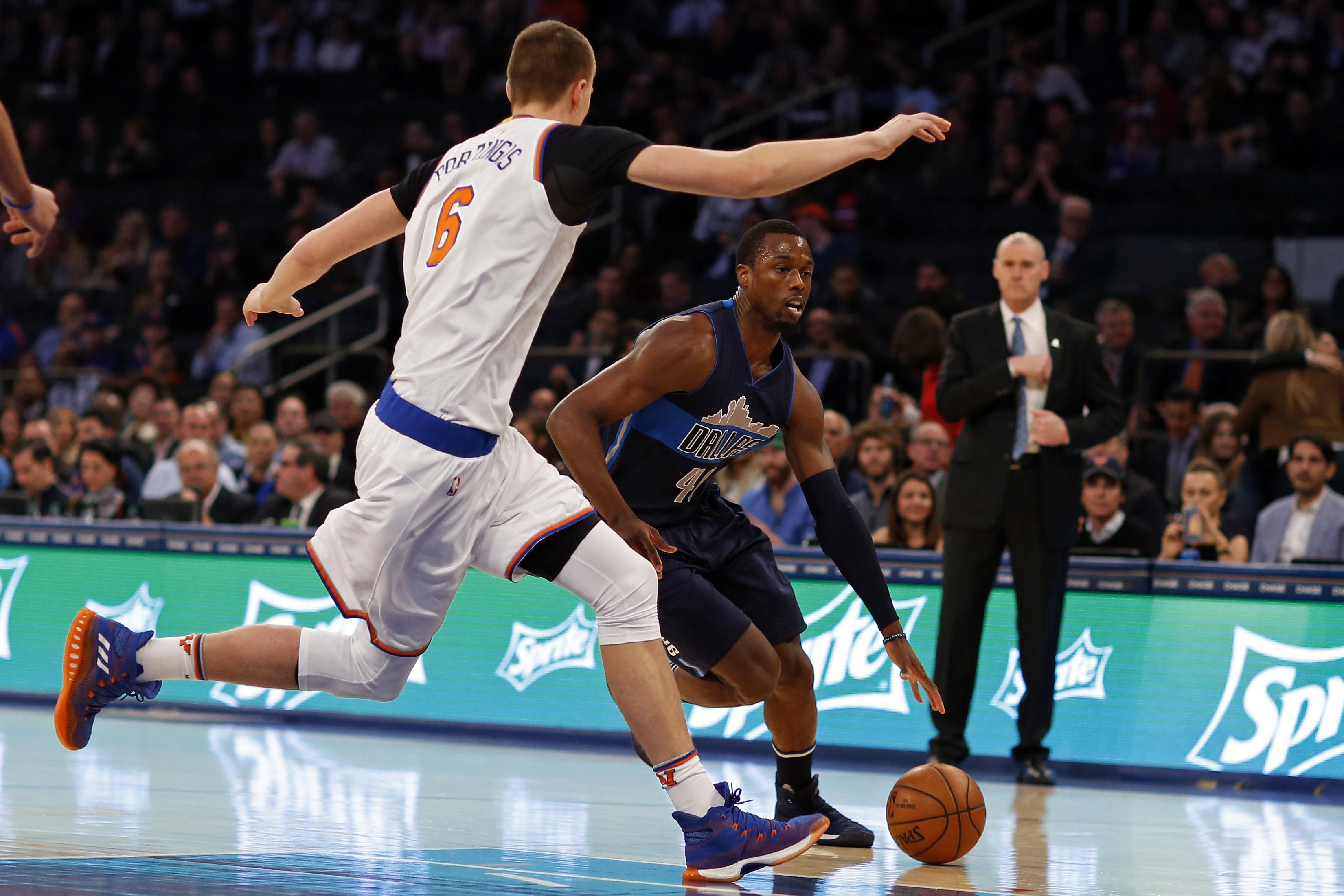 Carmelo Anthony Moves To PF, New York Knicks Spank Mavs (Highlights)