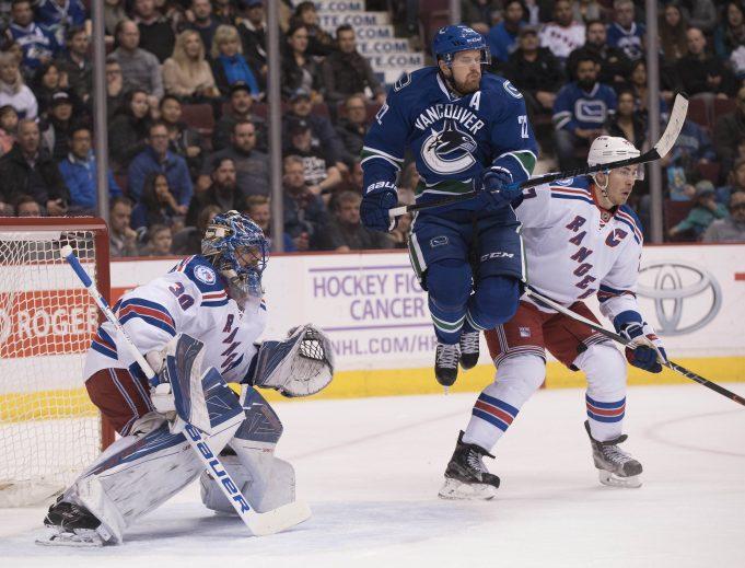 Henrik Lundqvist Hot as New York Rangers Blister Vancouver Canucks