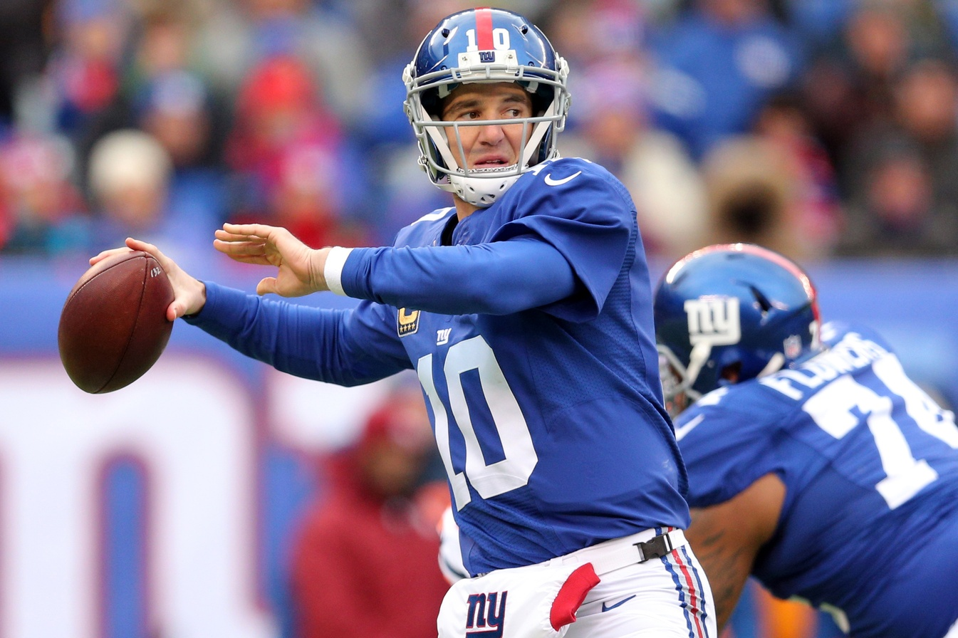 New York Giants Eli Manning vs Big Ben for the fourth and
