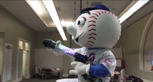 MLB Mascots Attempt The Mannequin Challenge (Video) 2