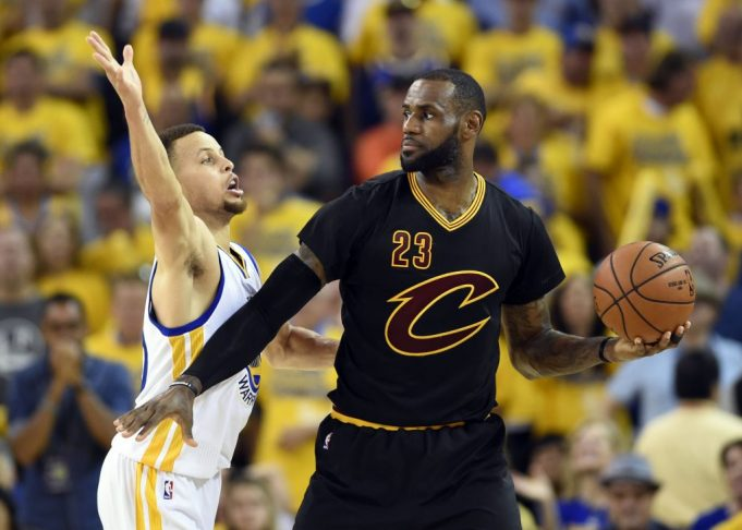 LeBron James had dummy of Stephen Curry at Halloween party (Report)