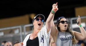 The most memorable fan moments in New York Yankees history 1