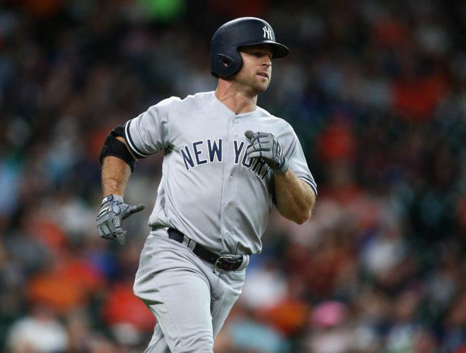 New York Yankees: Teams 'knocking on the door' for Brett Gardner