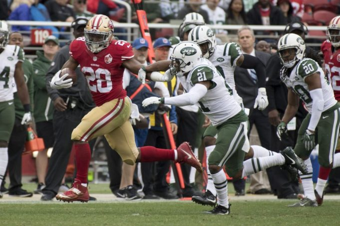 New York Jets place Marcus Gilchrist and Breno Giacomini on IR