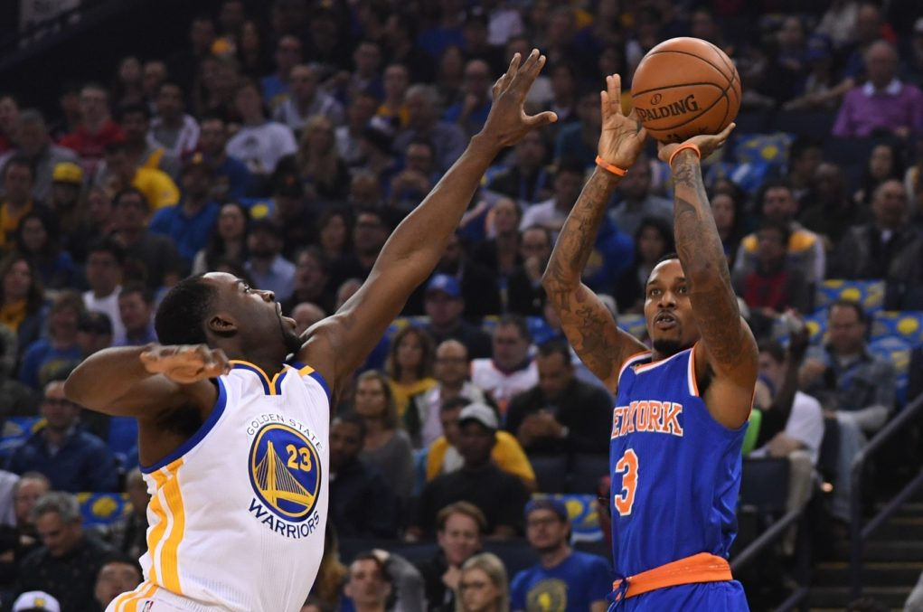 Short-handed New York Knicks are blown out as Warriors put on passing clinic (Highlights)