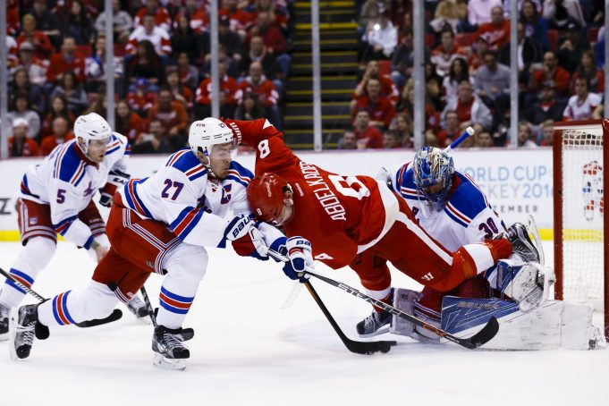 New York Rangers in Hockeytown looking for second-straight against Wings