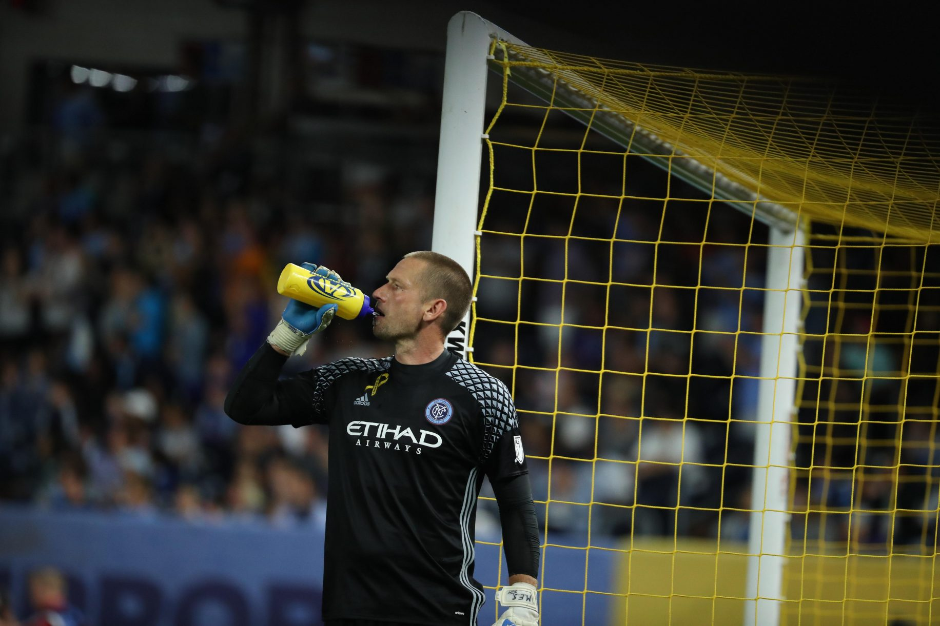 NYCFC trade goalkeeper Josh Saunders to Orlando