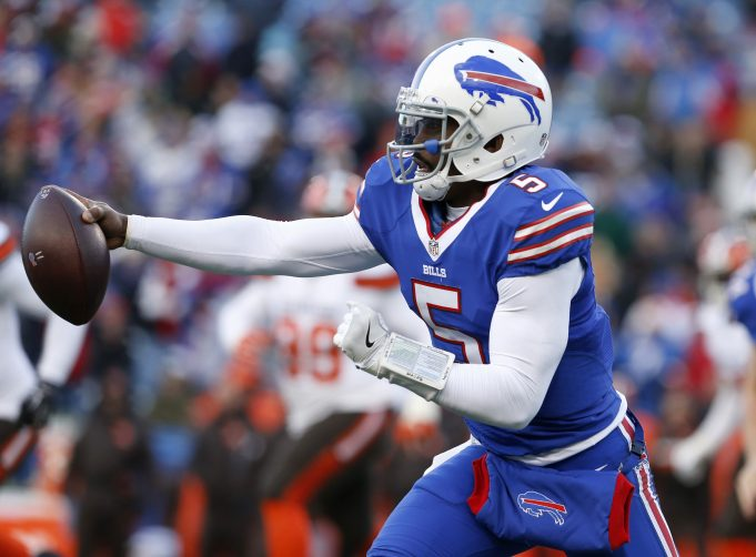 The Jets QB question isn't answered by Tyrod Taylor or Deshaun Watson 1