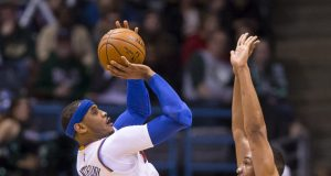New York Knicks: Carmelo Anthony battling through a 'bad' shoulder injury