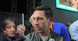 Atlanta Falcons' Kyle Shanahan loses backpack at Super Bowl media day