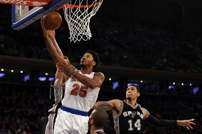 New York Knicks: Derrick Rose still isn't used to the offense