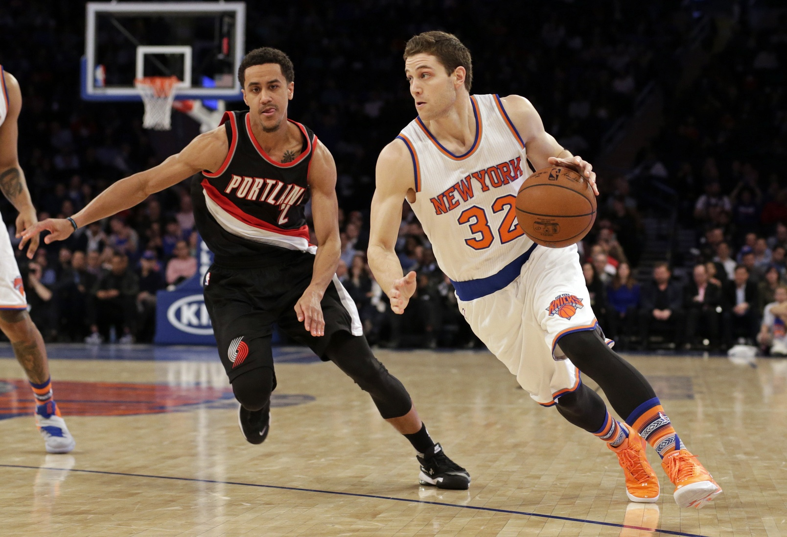 Former Knick Jimmer Fredette scores 73 during Chinese league game