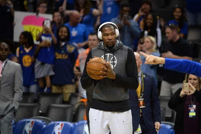 Kevin Durant gets trolled hard by Oklahoma City Thunder fans (Video)