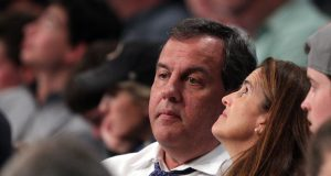 New Jersey Govenor Chris Christie says the Philadelphia Phillies suck (Video) 2