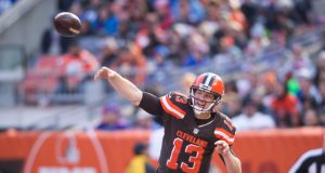 The New York Giants should call Josh McCown to be their backup QB 1