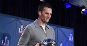 Donald Trump, LeBron James & more bow down to Tom Brady 1