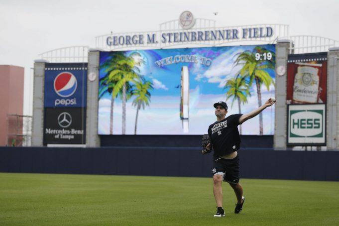 New York Yankees trade Richard Bleier to the Baltimore Orioles