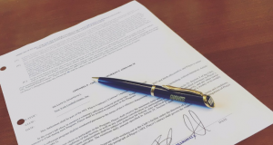 Brandon Marshall Tweets Picture of His New Deal With the New York Giants (Photo)