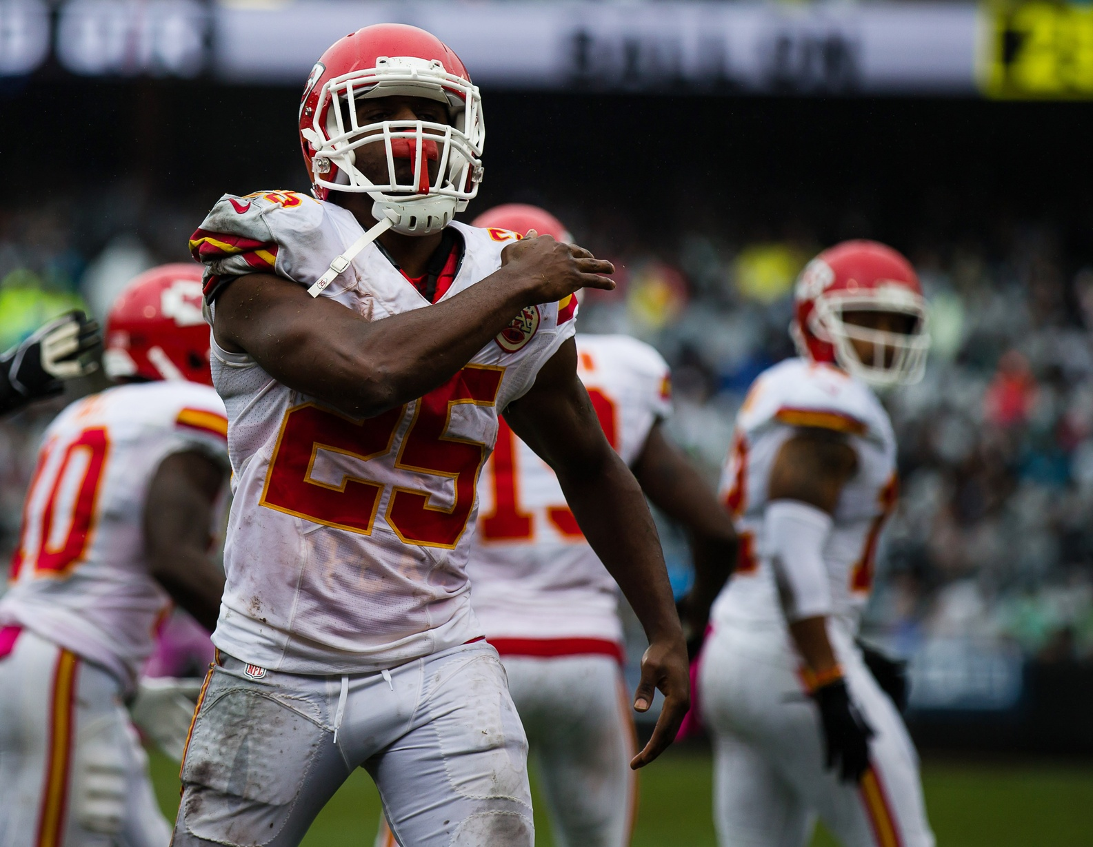 Four reasons why Jamaal Charles is a better fit for the New York Giants than Adrian Peterson 2