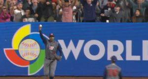 Adam Jones Makes Acrobatic Catch To Rob Manny Machado Of A Homer (Video)
