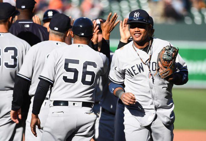 New York Yankees Bomber Buzz, 4/10/17: Matt Holliday Walks Into History