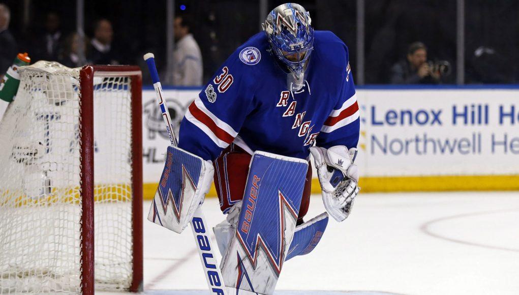 New York Rangers: Henrik Lundqvist Deserves Better From His Teammates