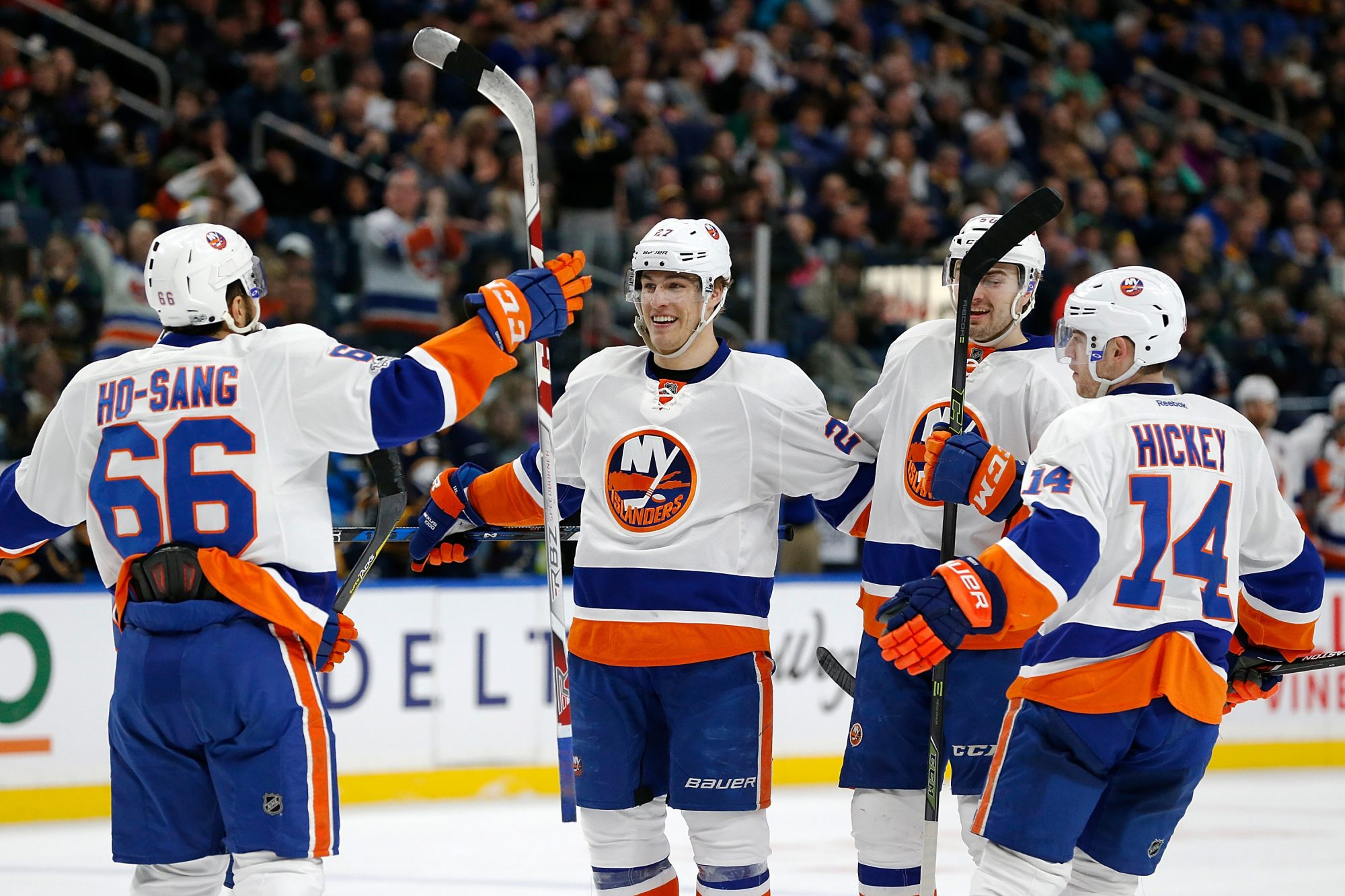 New York Islanders Edge Sabres 4-2, Keep Playoff Hopes Alive 1