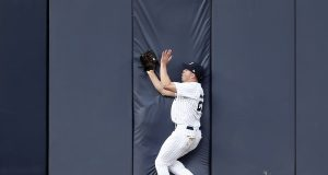 New York Yankees: Jacoby Ellsbury Still Experiencing Headaches