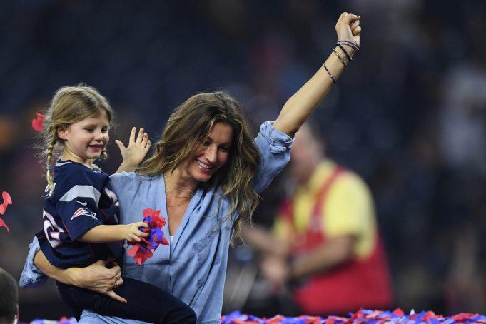 New England Patriots, Tom Brady Fans are Irate at Gisele Bundchen