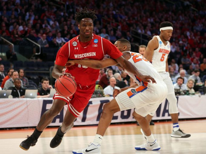New York Knicks Sign Undrafted Free Agent Nigel Hayes (Report)