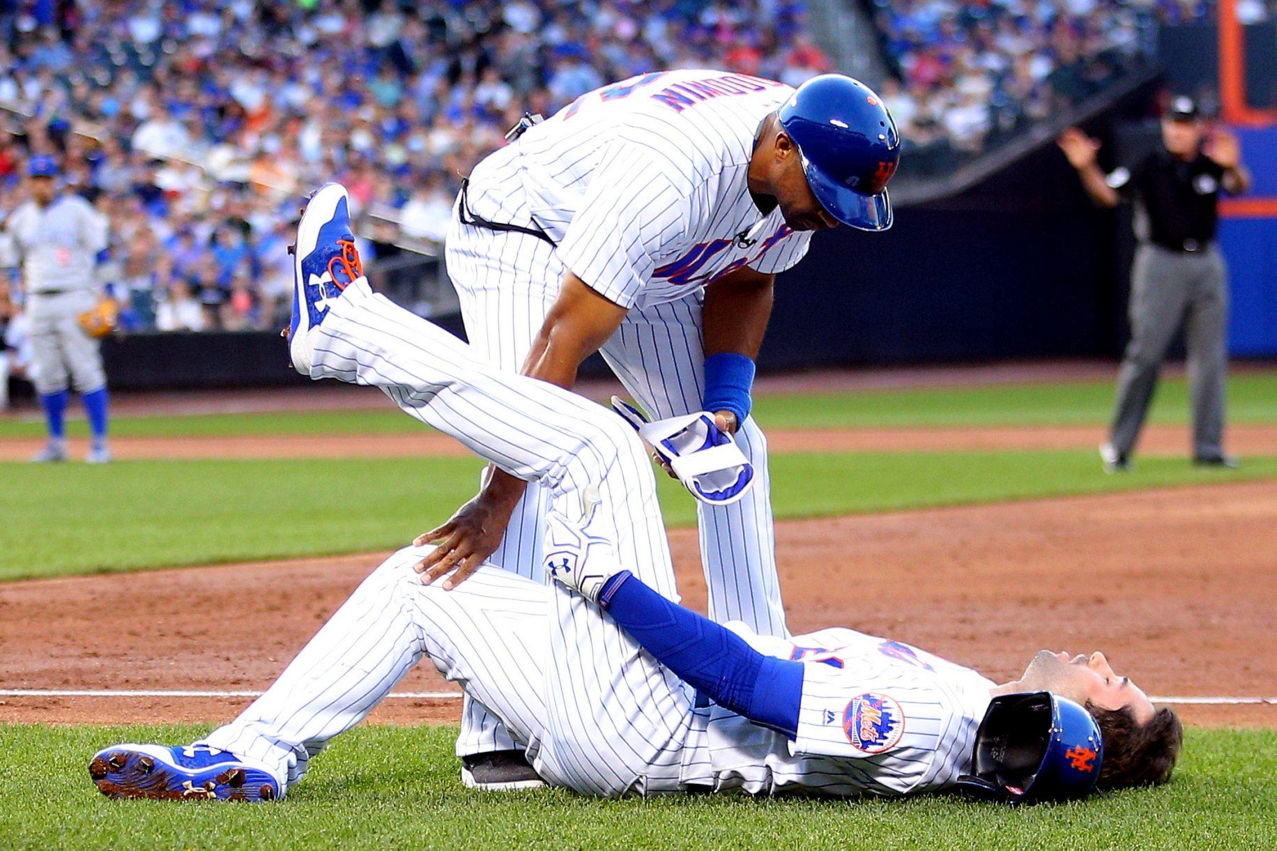 New York Mets Amazin' News 6/15/17: Neil Walker and Matt Harvey Hit the Shelf