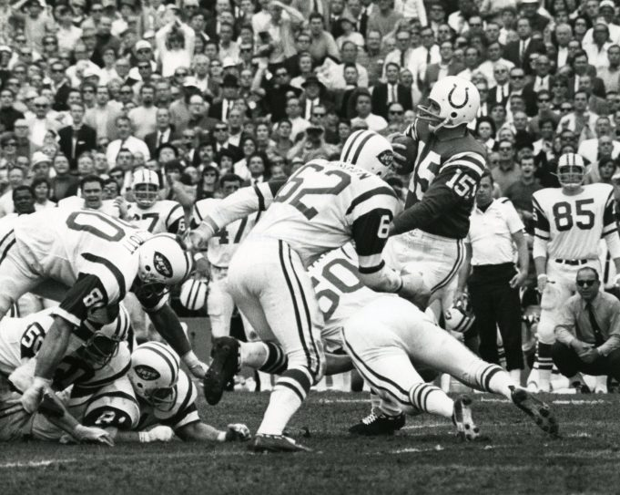 New York Jets: Larry Grantham Exemplified the Slogan 'Play Like a Jet'