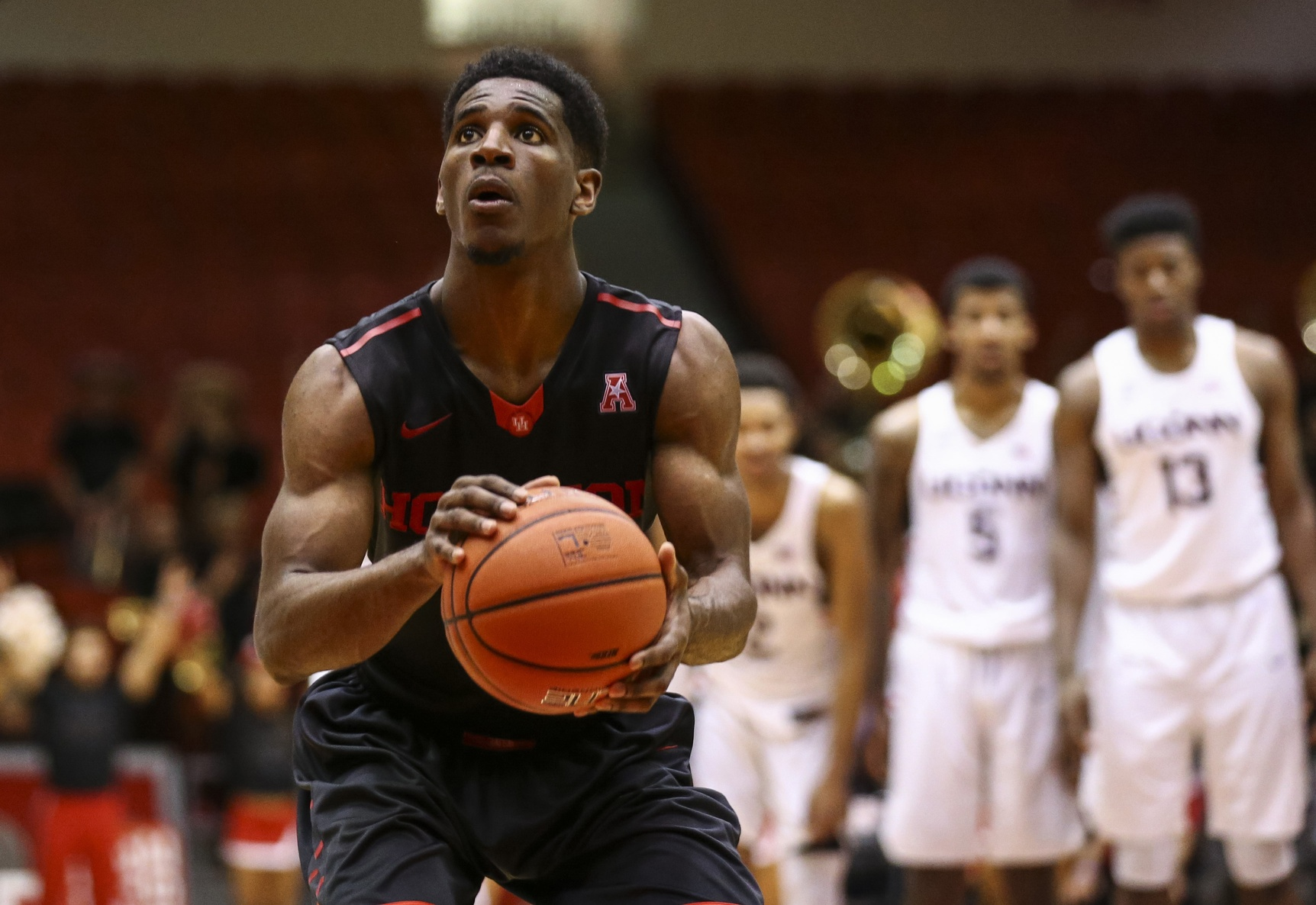 New York Knicks Select Houston's Damyean Dotson With No. 44 Pick