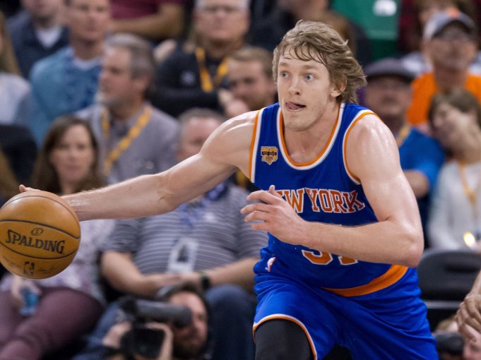 New York Knicks Re-sign Ron Baker