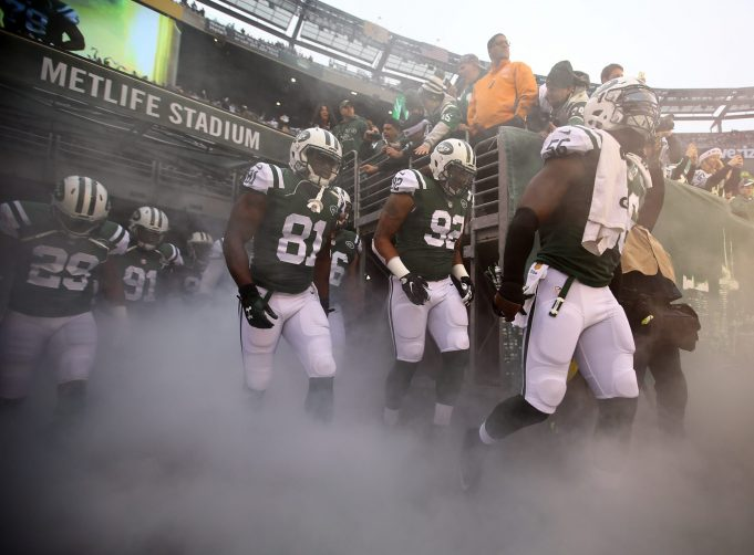 The New York Jets Need to Make a Trade Right Now or Face the Consequences