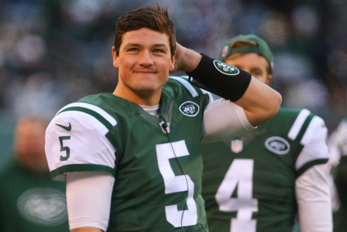 New York Jets QB Christian Hackenberg Thrown Off Field for Failing to Break Huddle Correctly