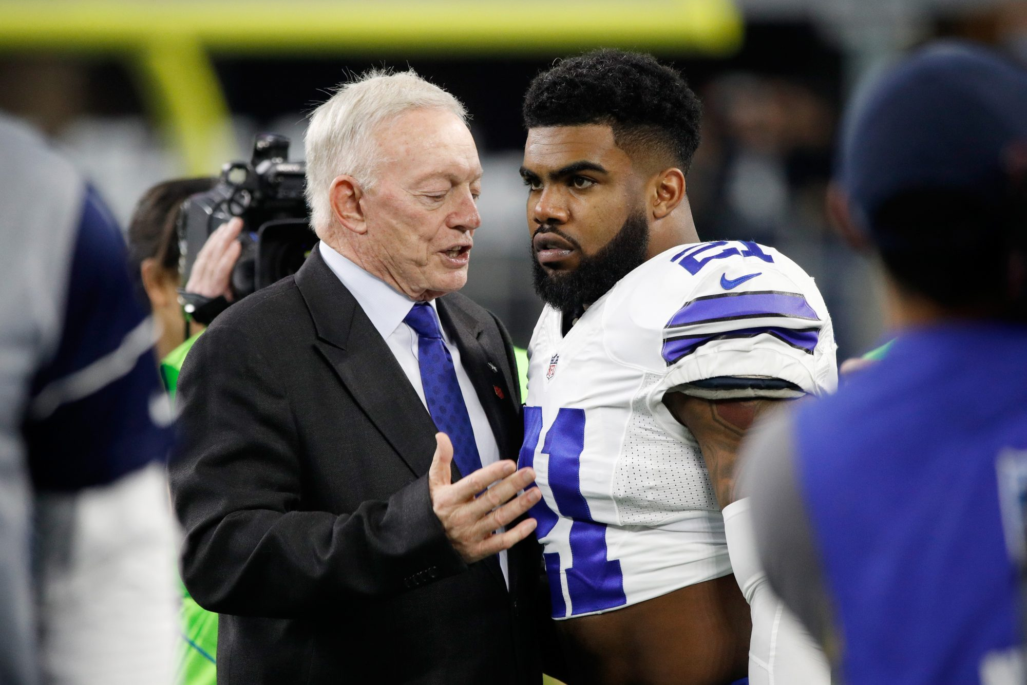 Fantasy Football Q&A, 8/15: Ezekiel Elliott's Suspension and 2nd Overall Pick
